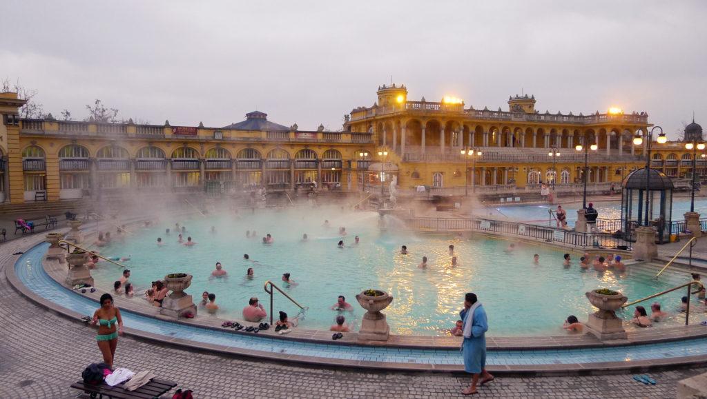 Quand il pleut à Budapest - Le Bains
