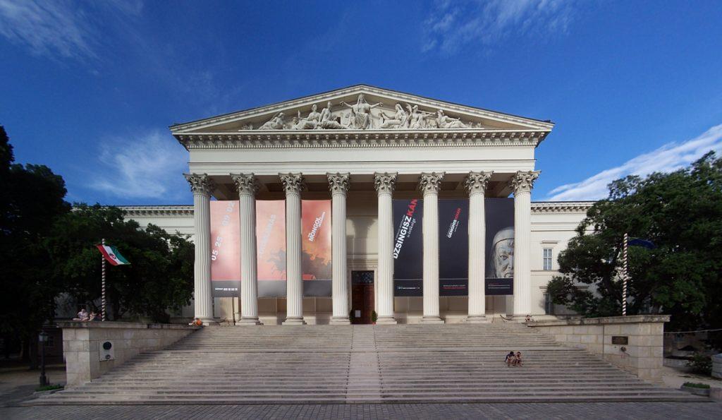 Quand il pleut à Budapest - Le musées