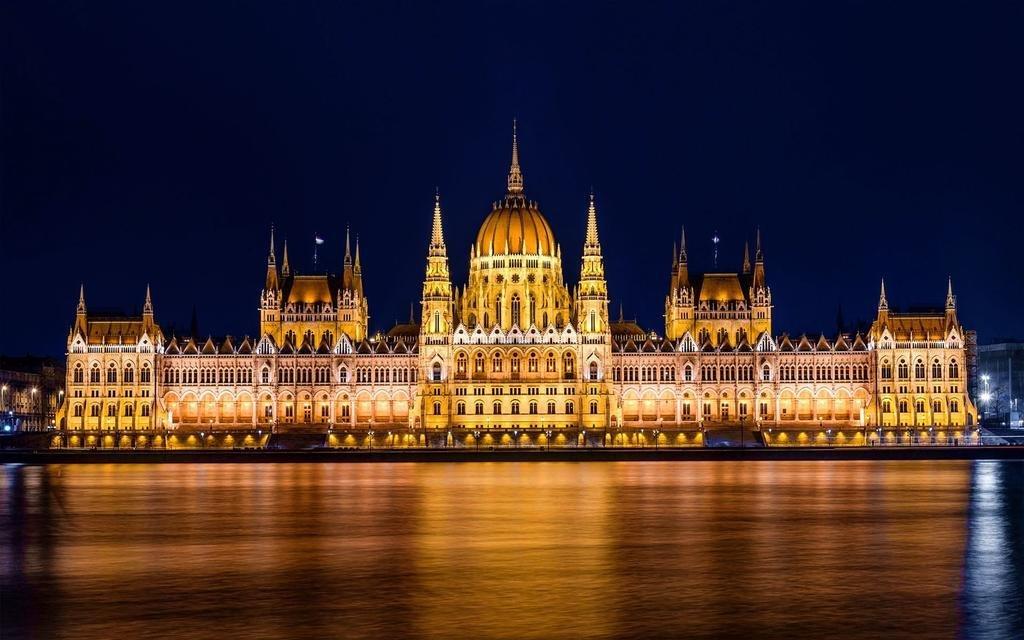 Quand il pleut à Budapest - Le Parliament